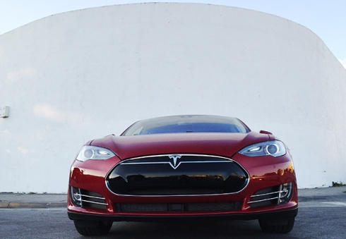 Tesla Model S85 2015